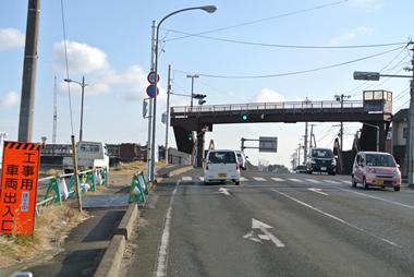 ⑤道なりに進み1つ目の信号・交差点(『笠神新橋』の手前)を左折します。