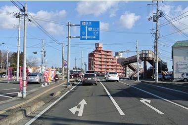 ⑤道なりに進み『笠神新橋』手前の信号・交差点もそのまま直進します。